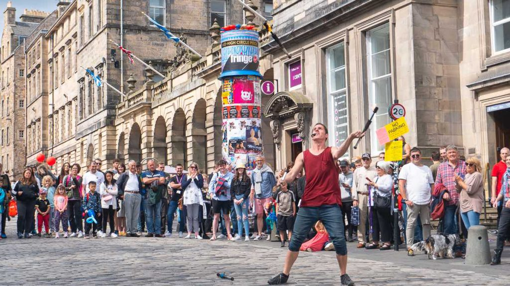 street entertainer Edinburgh